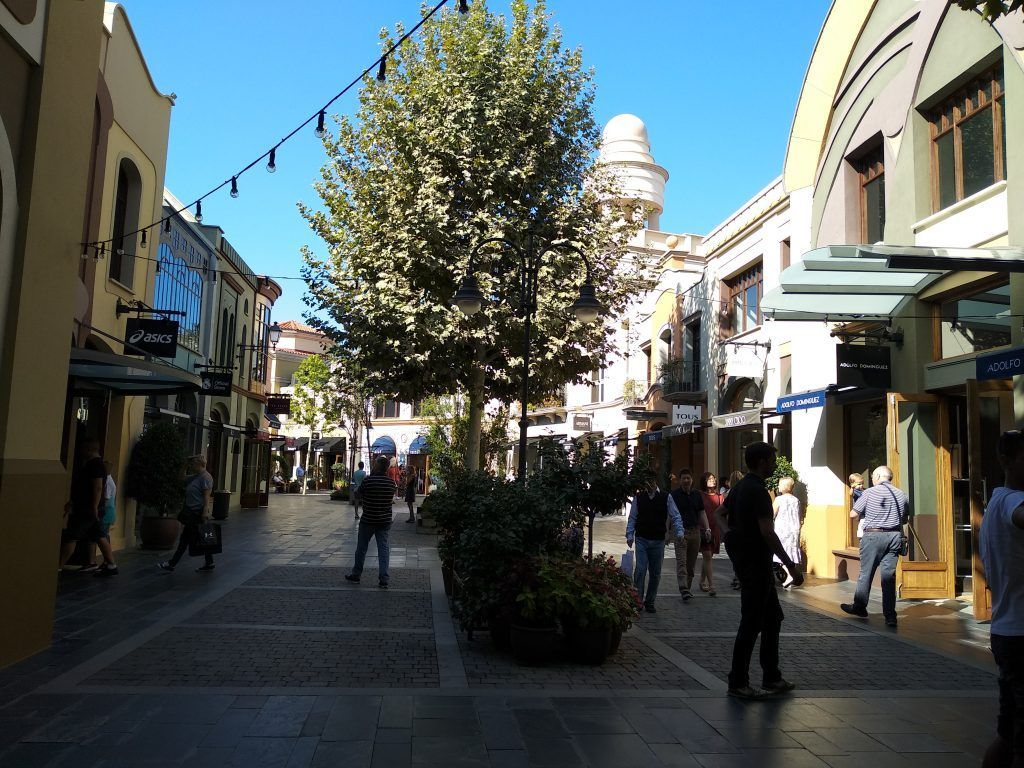 Vista del outlet en Las Rozas Village